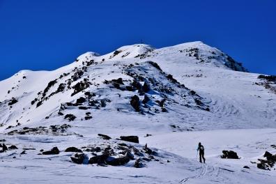 Die letzten Höhenmeter auf dem Grad in Richtung Gipfel