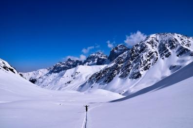 Blick zurück, im Hintergrund einmal mehr die Schlicker Seespitze und rechts der Gamskogel