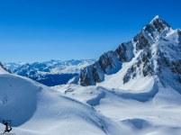 Die Rumerspitze, dahinter versteckt liegt Innsbruck