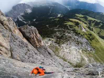 Schöne Kletterei in kompaktem Fels